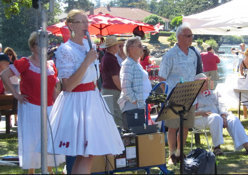 Elizabeth Hohner Calling for the Canada Day Picnic on the Gorge